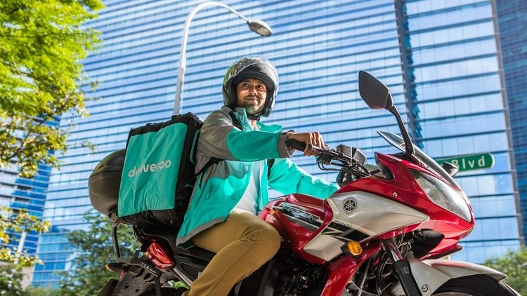 Deliveroo study: Delivery services protected 110,000 jobs during Singapore's circuit breaker
