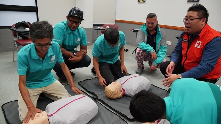 Deliveroo Launches First Aid Training for Riders in Singapore