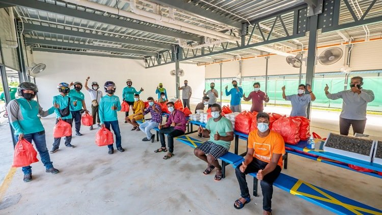 Deliveroo Singapore celebrates migrant workers with free iftar meals during Ramadan, as part of new Heroes to Heroes initiative